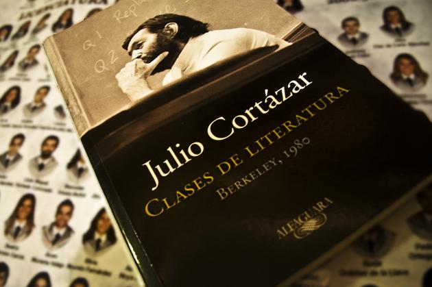 Julio Cortázar ofreció ocho clases de literatura en la universidad de Berkeley, Estados Unidos, en 1980
